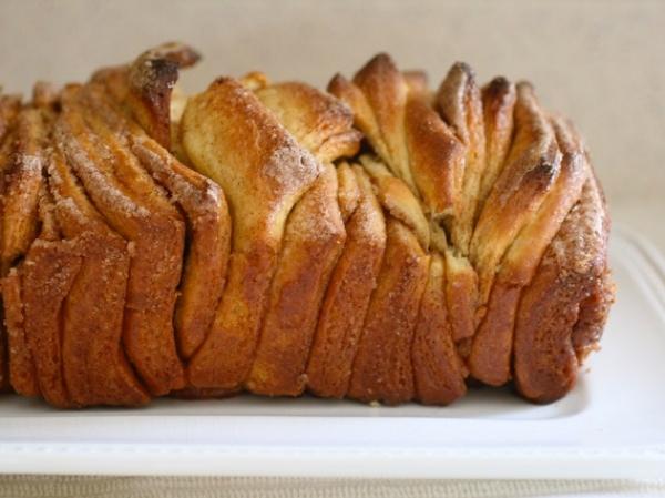 Cinnamon pull-apart bread 2