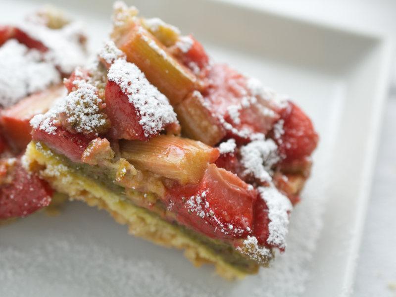 carrés fraises rhubarbe