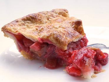strawberry rhubab pie slice